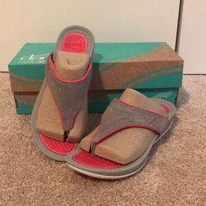 NEW Dansko Flip Flop Sandals